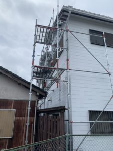 【BEFORE】高浜店舗外壁一面塗装工事